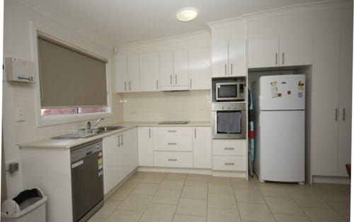2/125 Maitland Street, Narrabri NSW 2390
