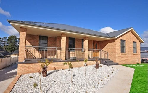 6 Diamond Dr, Windera NSW 2800