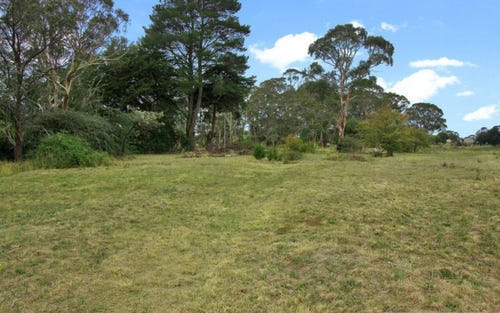 8 Elders Lane, Black Mountain NSW 2365