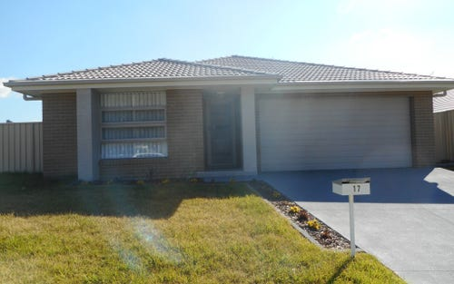 17 Mahogany Crescent, Thornton NSW