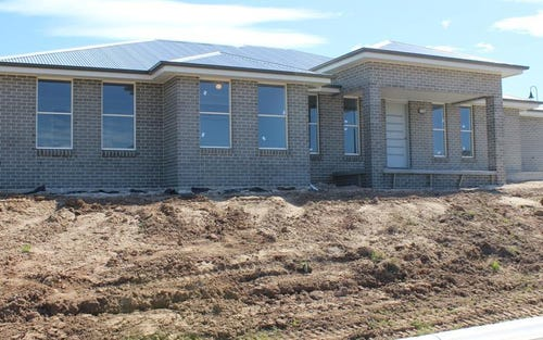 11 Adams St, Bathurst NSW 2795
