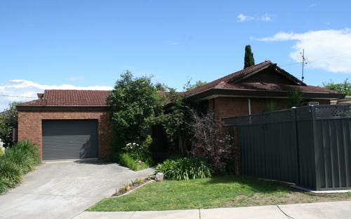 494 Regina Avenue, Lavington NSW 2641