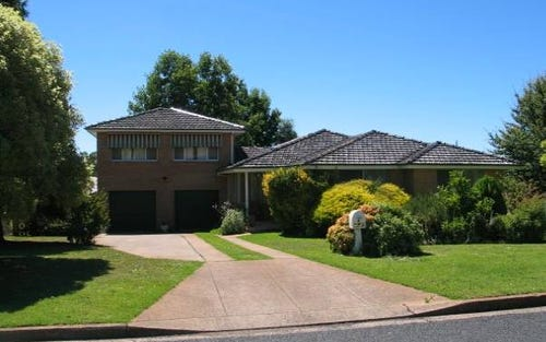 4 Burrebury Crescent, Orange NSW 2800