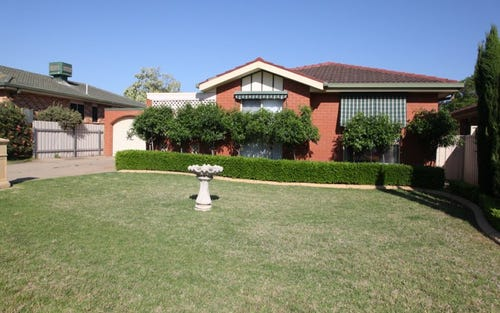 2 Lockett Place, Tolland NSW 2650