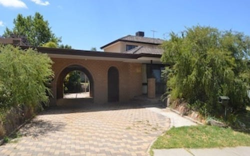 664 Pearsall Street, Lavington NSW 2641