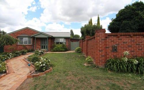 17 Crinoline St, Glenroi NSW 2800