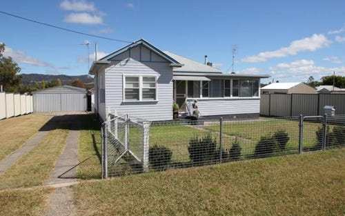 48 Logan St, Tenterfield NSW 2372