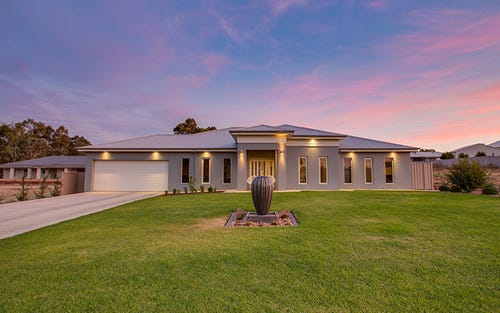 29 Plunkett Drive, Lake Albert NSW 2650