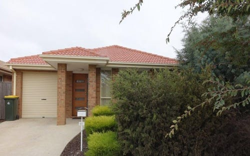 41 Henry Kendall Street, Franklin ACT
