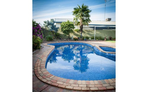 5 Athol White Court, Tocumwal NSW 2714