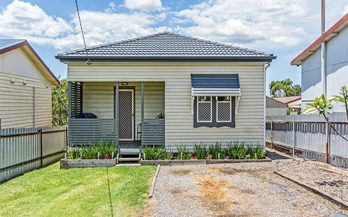 8a Bonarius St, Edgeworth NSW 2285