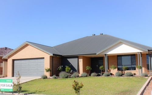 12 James Place, Cobar NSW 2835