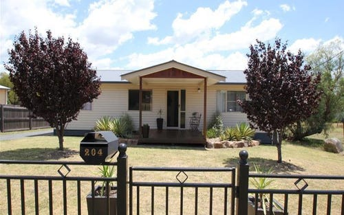 204 Logan Street, Tenterfield NSW 2372