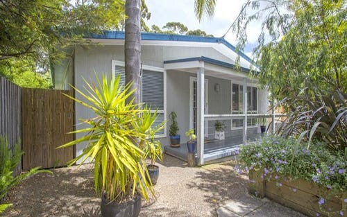 14 Pleasurelea Drive, Sunshine Bay NSW 2536