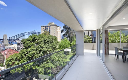 2/28 East Crescent Street, Mcmahons Point NSW