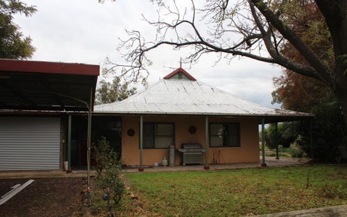 RIVERSIDE HOMESTEAD Colenso Park Road, Barham NSW