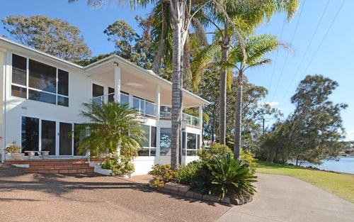 4 Yaringa Lane, Carey Bay NSW 2283