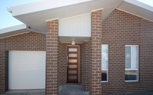 1/4 Mulberrygong Court, Estella NSW 2650