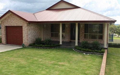 16 Bates Avenue, Glen Innes NSW 2370