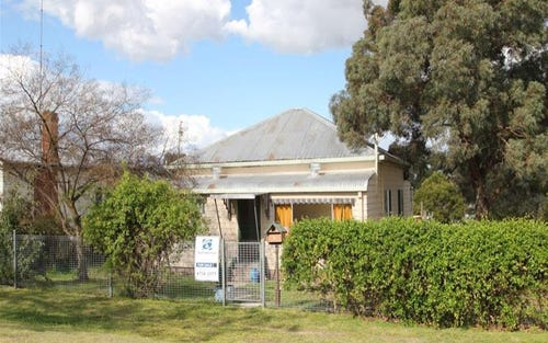 5 Erindee Avenue, Tenterfield NSW 2372