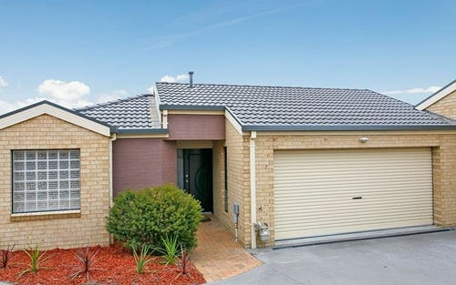 2/32 Doeberl Place, Queanbeyan NSW 2620