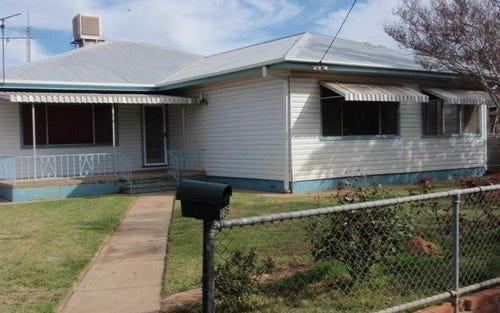 236 Pine Street, Hay NSW 2711