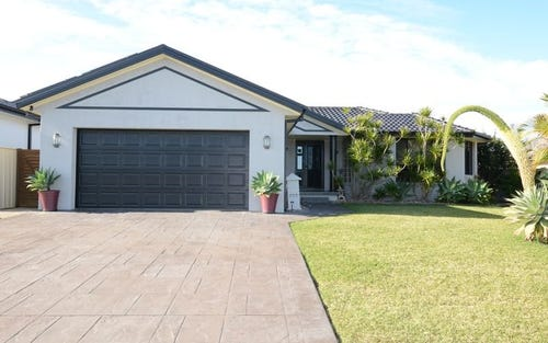 13 Shantull Drive, Wallabi Point NSW 2430