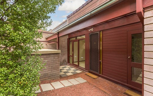 35 Jewell Close, Phillip ACT 2606