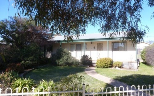 30 Court Street, Boorowa NSW 2586