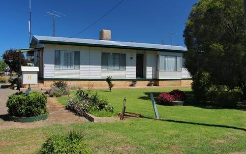 11 Margaret Street, Quandialla NSW 2721