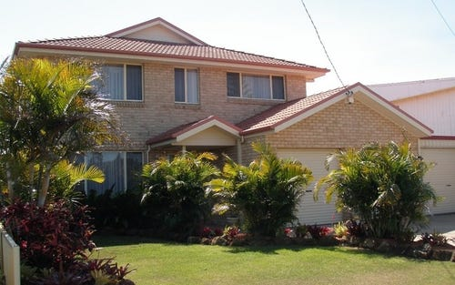 215 Beach Street, Harrington NSW 2427