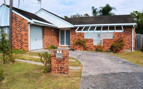 7 Telopea Cl, Lake Haven NSW