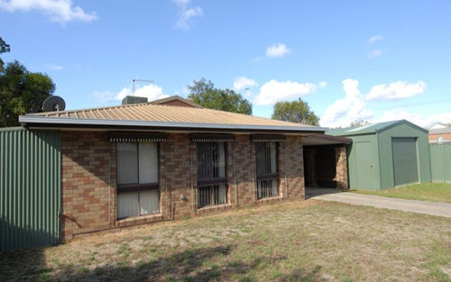 399 Campbell Crescent, Deniliquin NSW 2710