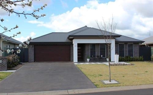 36 Southlakes Pde, Dubbo NSW 2830