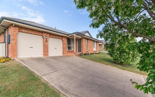 4 Cianfrano Place, Orange NSW 2800