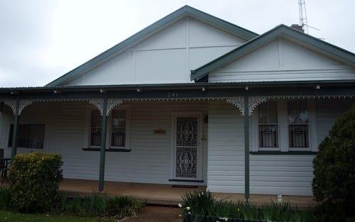 241 Hoskins Street, Temora NSW 2666
