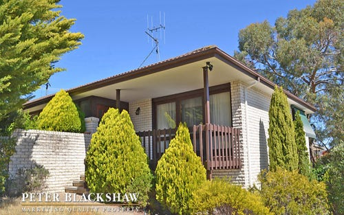 4 Whitty Crescent, Isaacs ACT