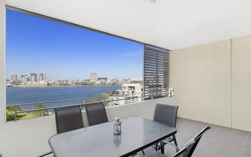 720/25 Bennelong Parkway, Wentworth Point NSW