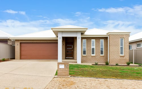 1 Preston Crescent, Lloyd NSW 2650