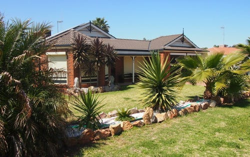 31 Charles Rigg Avenue, Parkes NSW 2870