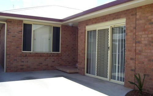 2/10 Thornbury Street, Parkes NSW 2870