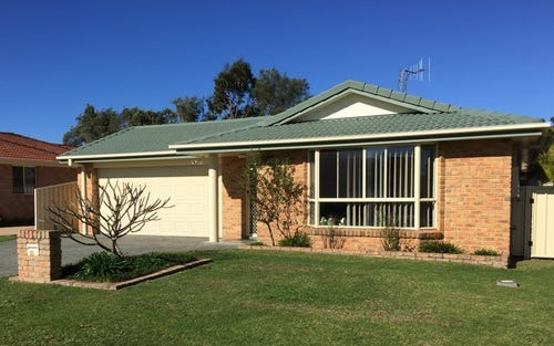 10 Cassina Close, Forster NSW 2428