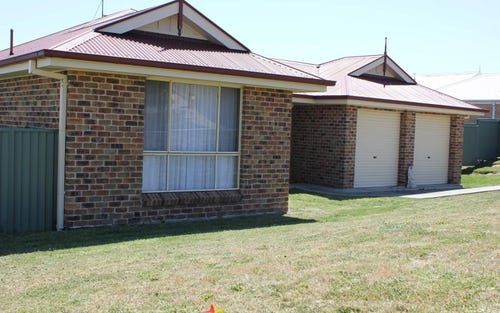 33 Cypress Crescent, Bathurst NSW 2795