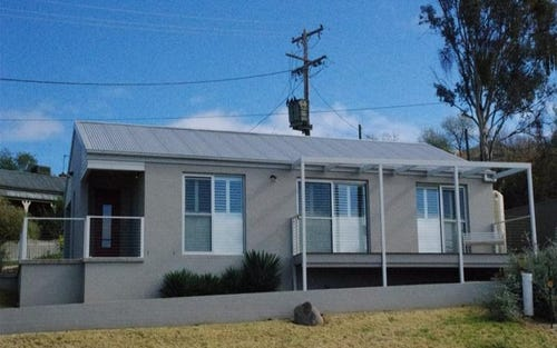 8 Lynch Street, Cowra NSW 2794