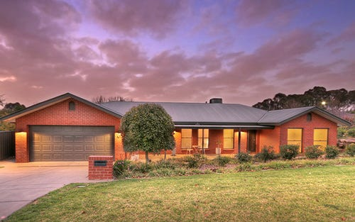 13 Depazzi Close, Lake Albert NSW 2650