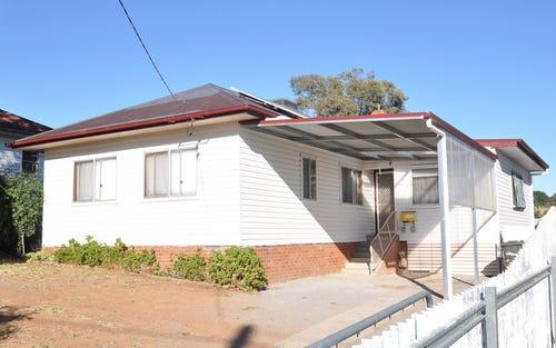 7 Robert Street, Junee NSW 2663
