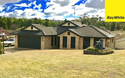 35 Glenburnie Cl, Parkes NSW 2870