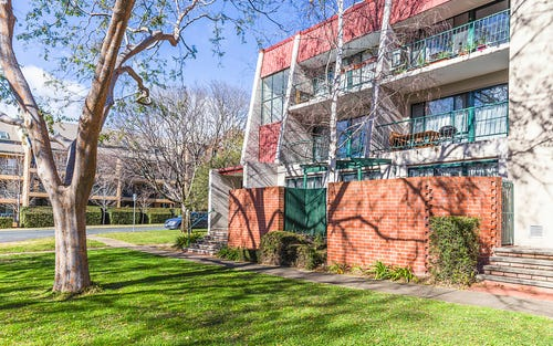 1/10 Ovens Street, Griffith ACT
