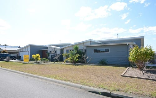 22 Bluehaven Drive, Old Bar NSW 2430