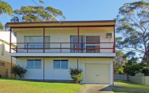 11 Carroll Avenue, Mollymook Beach NSW 2539